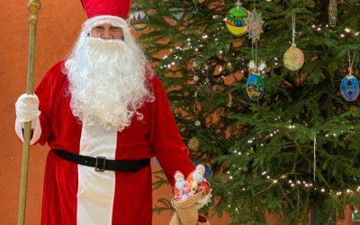 Der Nikolaus besucht die Gesamtschule Geldern