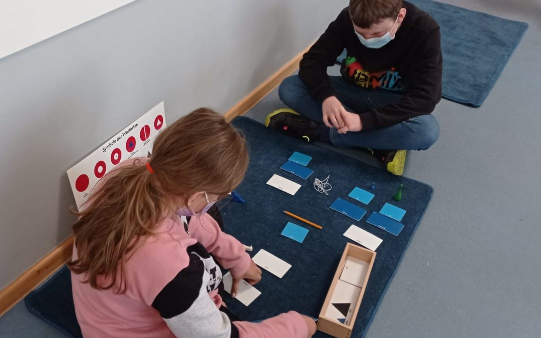 Sprachförderung etwas anders – Einstieg in die Wortsymbolarbeit nach M. Montessori